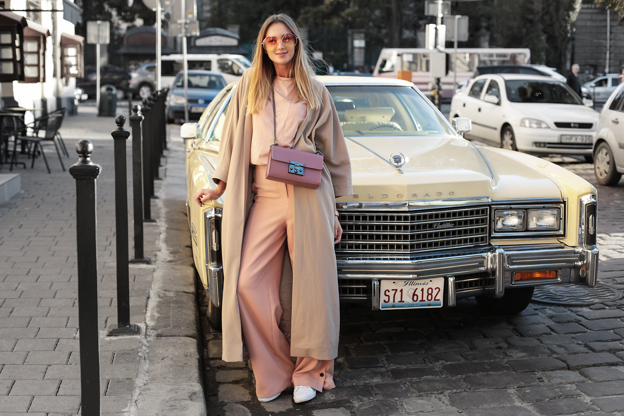 pastel-fall-look-versized-street-style