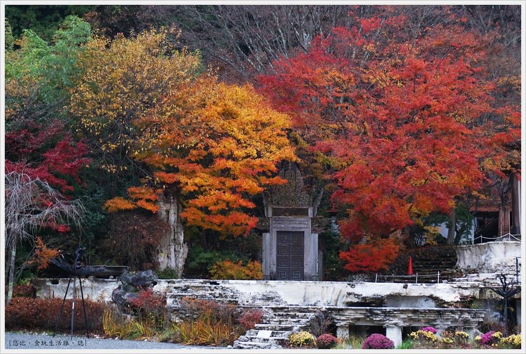 紅葉迴廊-久保田一竹美術館-12