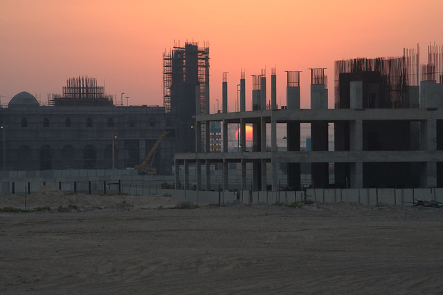 Construction sunset, Sony ILCE-7RM2, Sony FE 70-200mm F4 G OSS