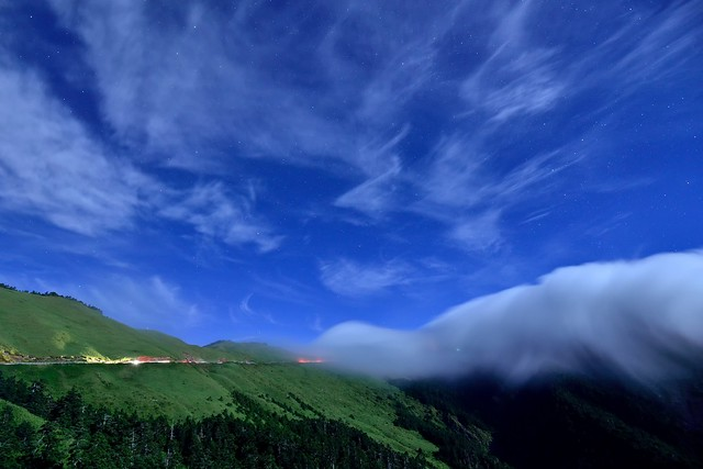 Moon night at Mountain Hehuan 合歡月夜