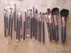 MAANGE 22pcs Foundation Blush Eyebrow Lip Makeup Brushes €5.09 Gearbest 17-10-2017