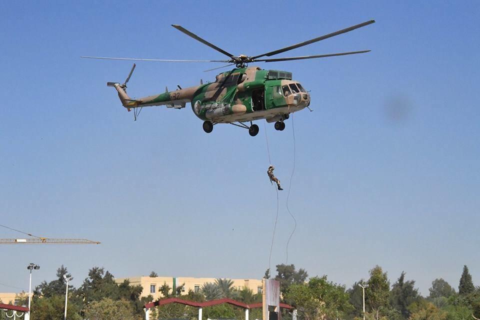 موسوعة الصور الرائعة للقوات الخاصة الجزائرية - صفحة 63 37912836976_ee8df651c3_b