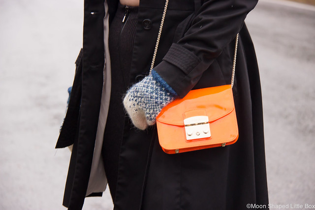 Neon orange bright orange Furla Metropolis Bag Outfit styleblog alpakanvilla lapaset