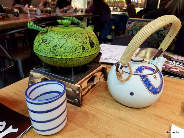 AKA-ONI Ramen & Izakaya teapots