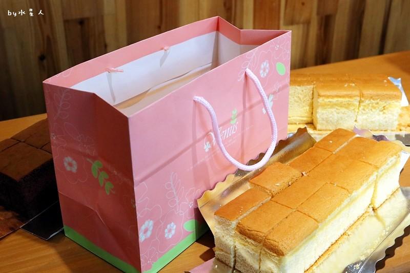 23796403668 fa7bbc1ded b - 熱血採訪|福久長崎蛋糕,日式慢火烘焙工法,口感濕潤有彈性,安心無添加,濃郁巧克力香氣