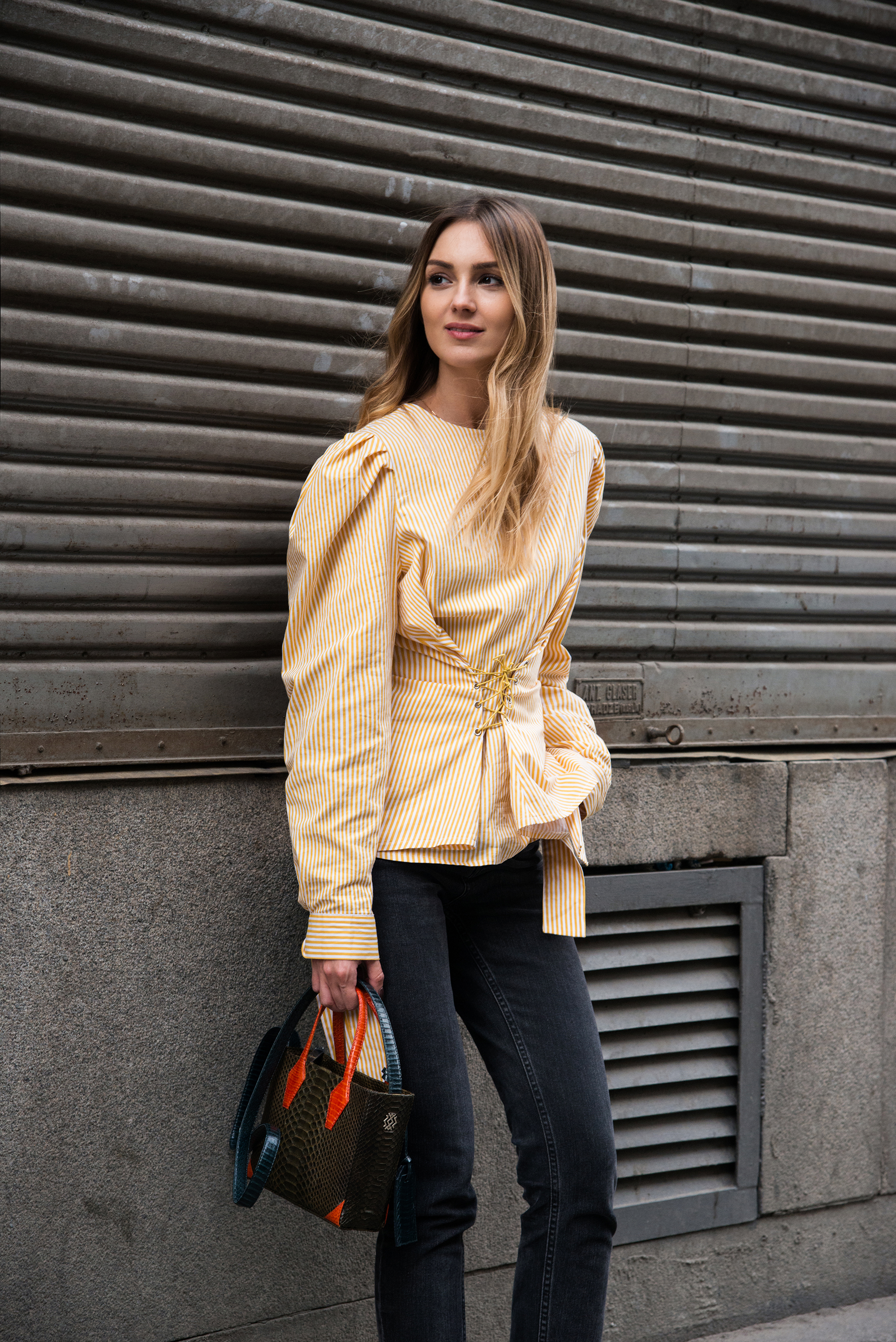 street-style-puffy-sleeves-corset-top-yellow