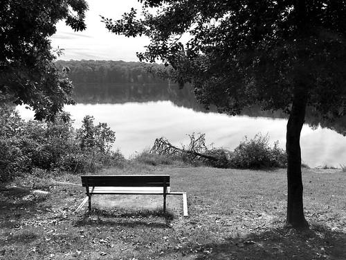 gaithersburg maryland senecacreekstatepark mdstateparks benches clopperlake bw monochrome hbm iphone topf25