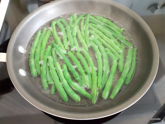 green beans steaming