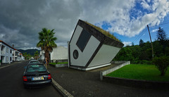 crazy house in furnas 1