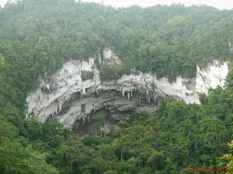 Gobingob Cave entrance
