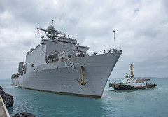 USS Ashland (LSD 48) pulls into the harbor of White Beach Naval Facility in Okinawa, Oct. 30. (U.S. Navy/MC2 Sarah Villegas)