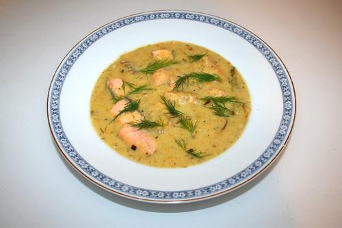 45 - Leek potato soup with salmon - Served / Lauch-Kartoffelsuppe mit Lachs - Serviert