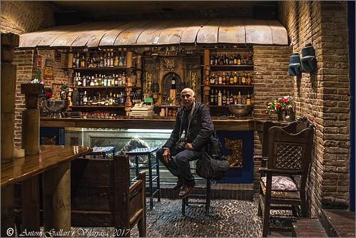 restaurant restaurante león lleó leon españa spain d800 nikon rroel58 antoni espanya fotógrafo photographer fotógraf theboss eljefe elcap indoor interiores interior sentat sentado seated 2017 friend amic amigo francisco barriohúmedo