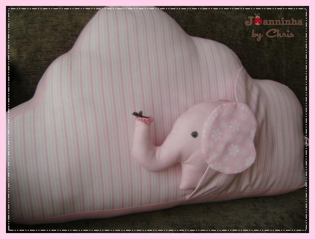 almofada com elefante