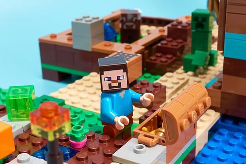 Lego Minecraft 21135 - P1060427 - Gold