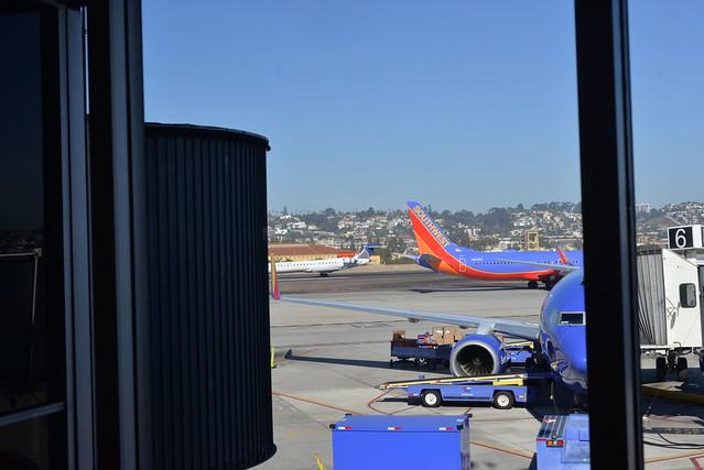 Southwest N8626B 737-800 and Un Ex N788SK SAN 11-8-16