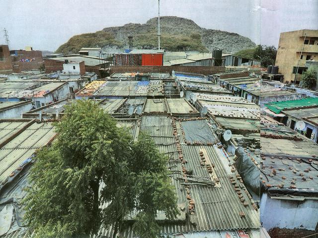 अहमदाबाद स्थित पिराना गाँव में कचरे का पहाड़