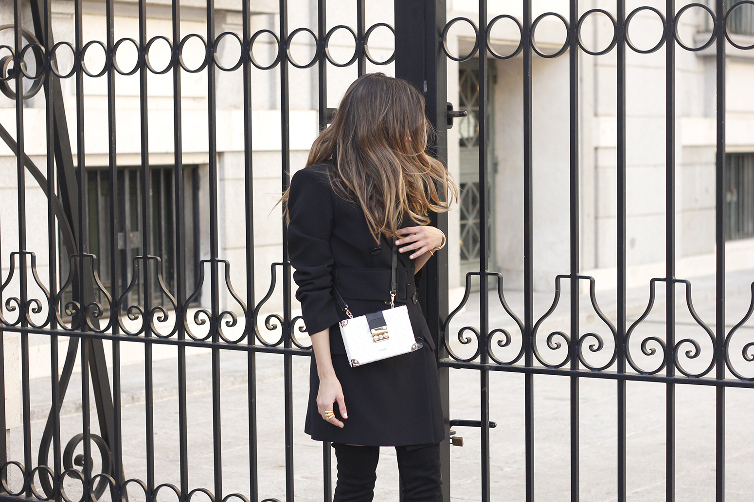 Black Blazer dress over the knee boots outfit uterqüe fashion style outfit autumn14