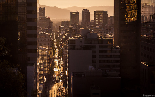 santiago chile agustinas sunset sun light luz atardecer pôrdosol rua street calle cityscape ciudad city cidade urbanview urban skyscrapers rascacielos