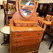 Chest of drawers with mirror E125