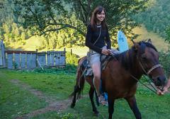 Gościnność mieszkańców Tsana - Monika ćwiczy jazdę konną.