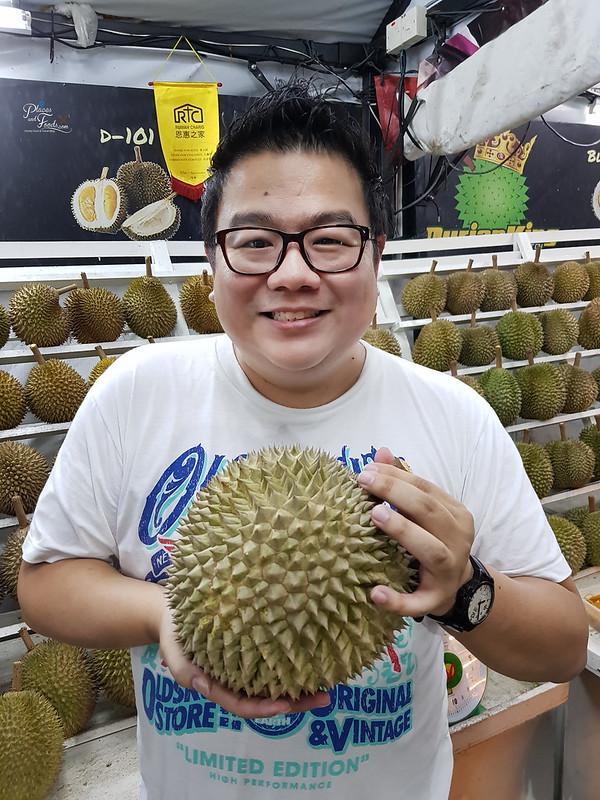 durian king black thorn holding