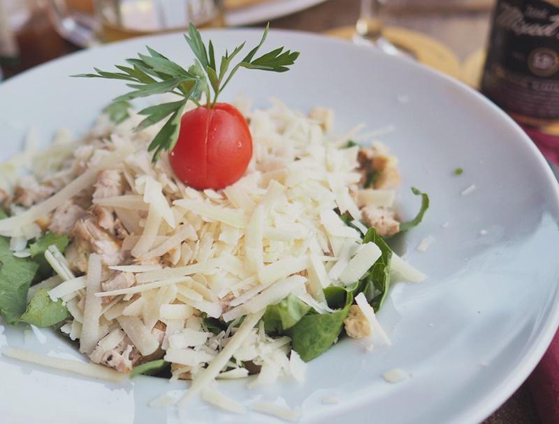 caesar-salad-rhodes-rodos-ruoka