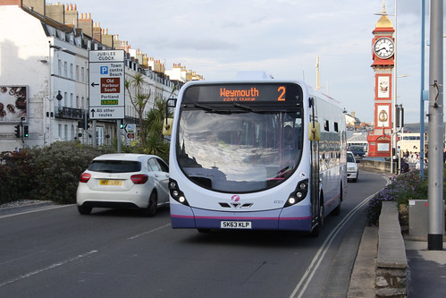 First Hampshire & Dorset 47411 SK63KLP
