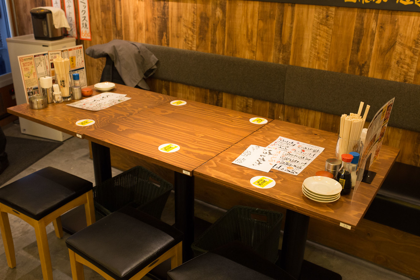 Shinjuku_meiten_yokocho-111