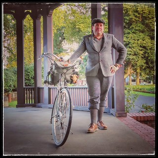 If one is to attend a Tweed planning meeting, one should wear Tweed! #tweedpdx #tweedride #tweedrideeveryride #harristweed #selfportrait #threespeedoct2017 #societyofthreespeeds