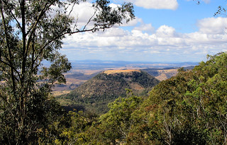 Aug 2004 - View of Tabletop Mountain from Picnic Point, Toowoomba, Queensland, Australia