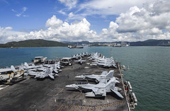 USS Ronald Reagan (CVN 76) approaches Hong Kong, Oct. 2. (U.S. Navy/MC3 MacAdam Kane Weissman)