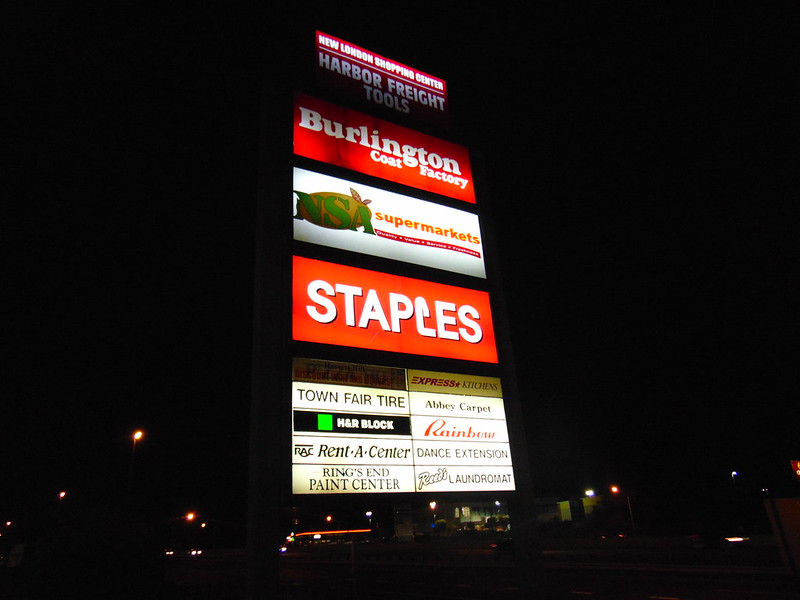New London Shopping Center