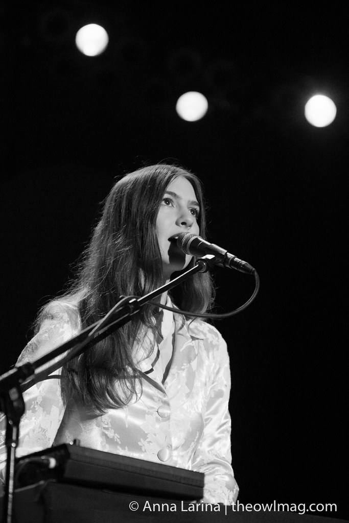 Weyes Blood @ Greek Theater LA 101317 008