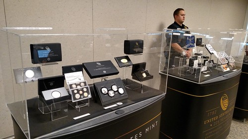 2017 Mint Forum display with guard