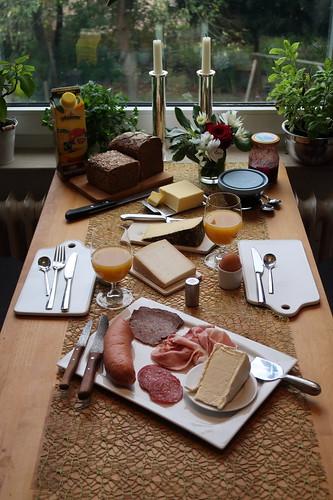 Spätes Frühstück nach Marktbesuch