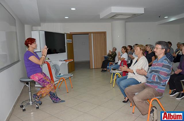 Yelda Aral'ın verdiği nefes terapisi ve yoga derslerine ilgi yoğundu.