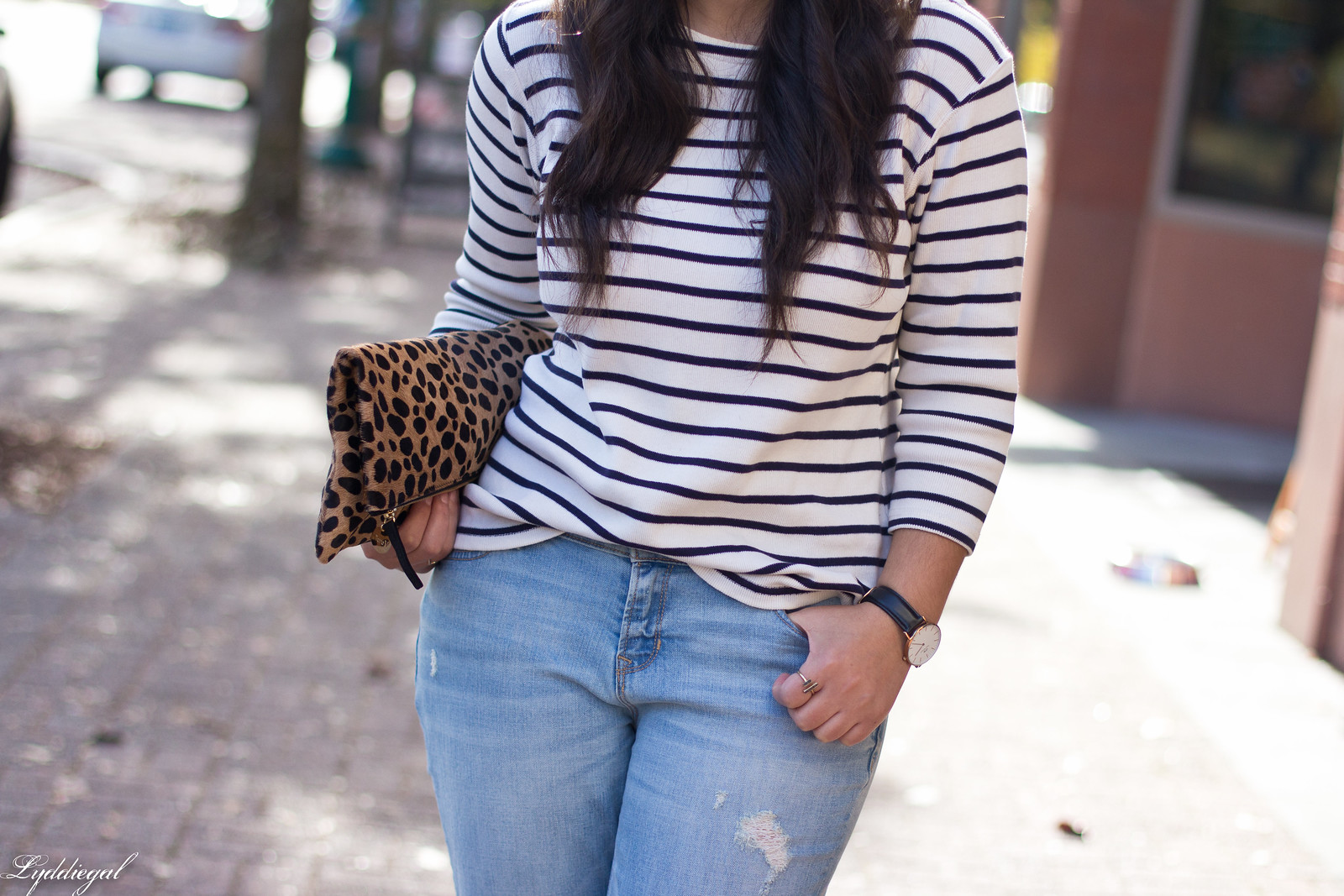 striped shirt, distressed jeans, red flats, navy fedora, leopard clutch-3