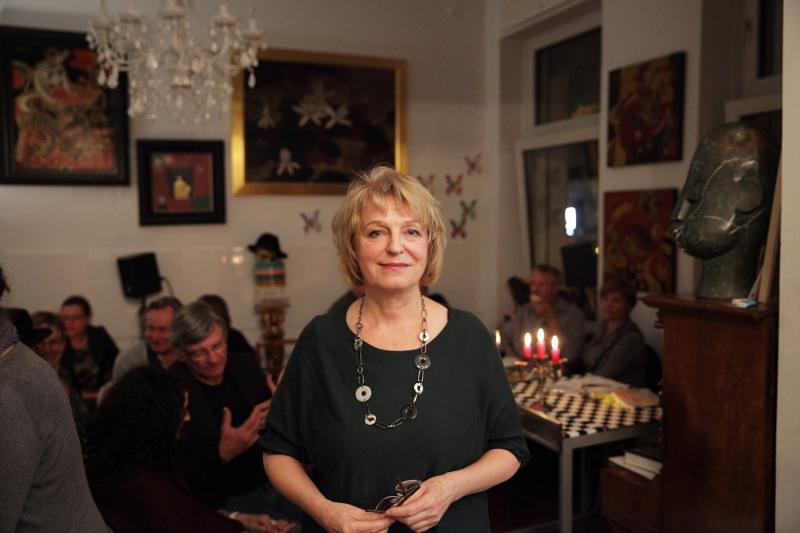 Lesung LIOBA HAPPEL: PULS - 100 Gedichte im Dada-Künstlercafé, Oktober 2017