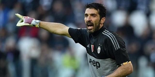 Juventus Menginginkan Gianluigi Buffon Pensiun