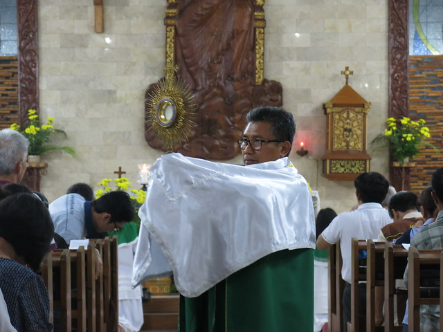 Rekoleksi & Misa Adorasi Menyongsong Hari Raya Bunda Maria Ratu Rosari