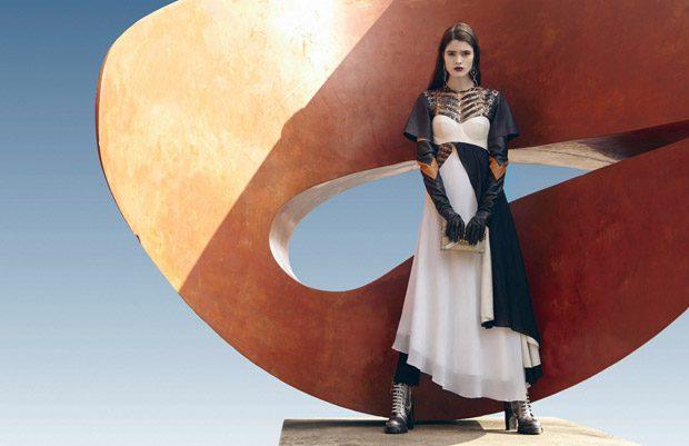 Alexandra-Micu-Bazaar-Romania-Lukasz-Pukowiec-04-620x401