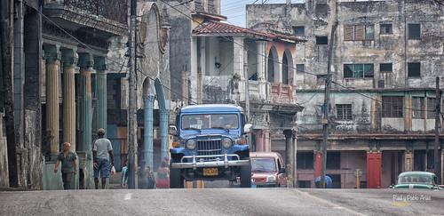 (718/17) Coches en La Habana XV - Cambio de rasante