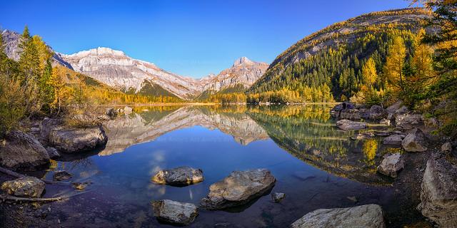 Derborence_Mountain_Reflection