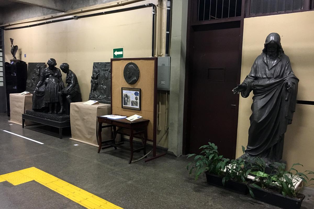 Etec Getúlio Vargas, na Capital, apresenta esculturas de ex-professor da unidade