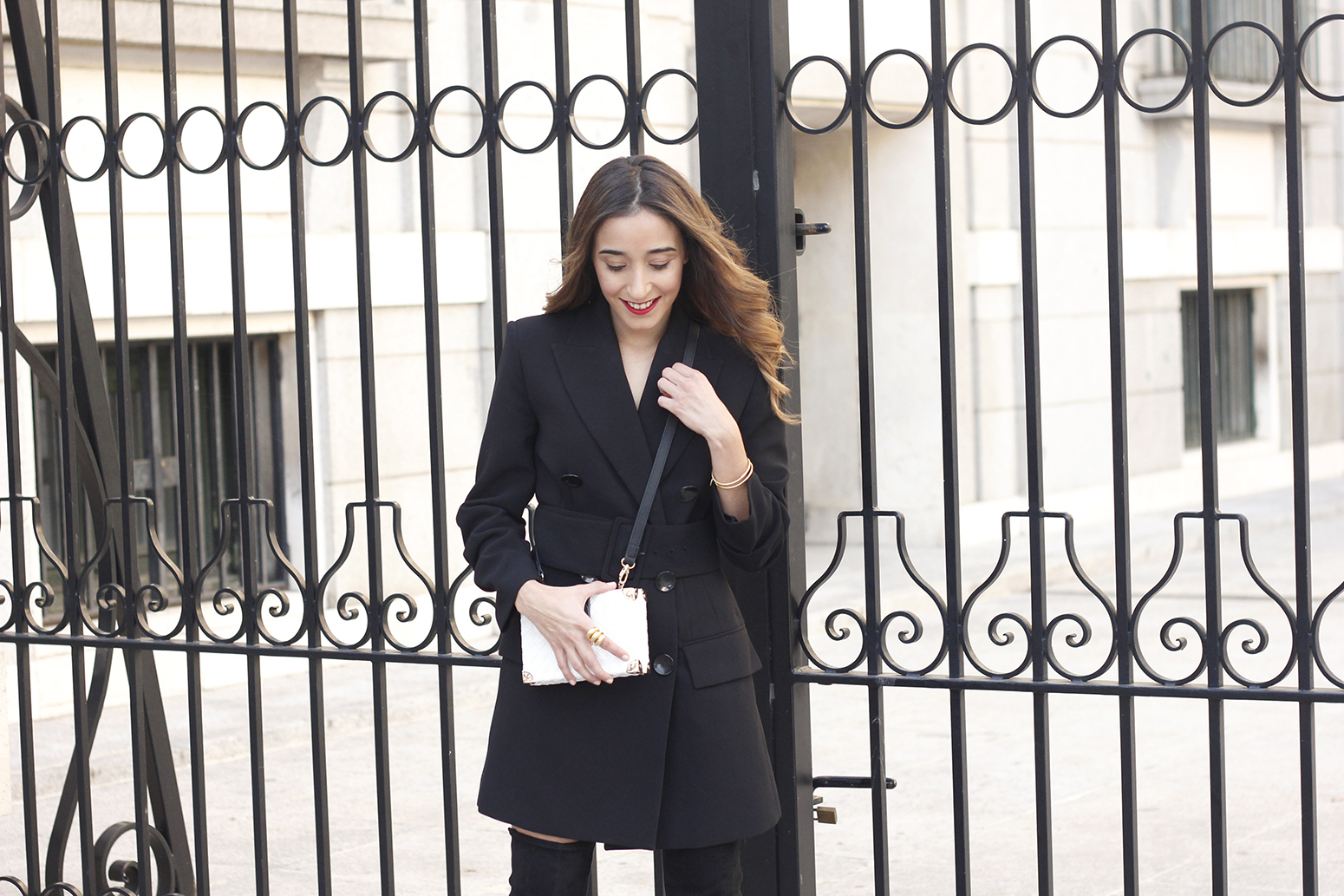 Black Blazer dress over the knee boots outfit uterqüe fashion style outfit autumn18