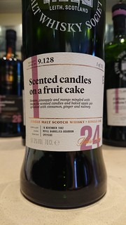 SMWS 9.128 - Scented candles on a fruit cake
