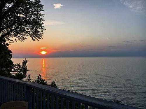sunsetphotography sunsets sunset sunsetcolors lakeerie lakes greatlakes ohio
