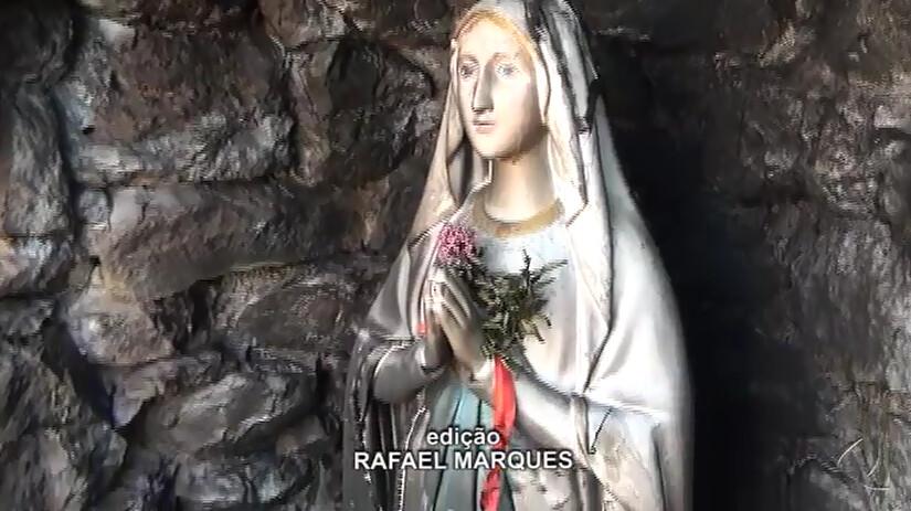 Intolerância religiosa: imagem de santa dentro de gruta é queimada em Óbidos, Santa queimada em Óbidos