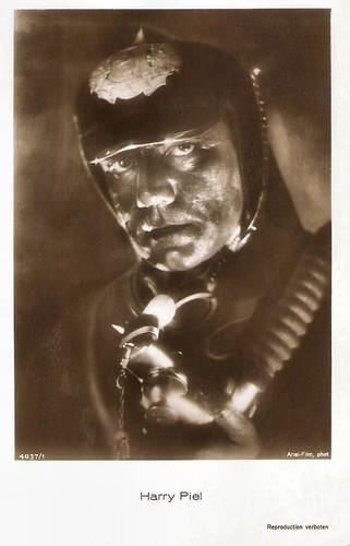 Harry Piel in Menschen im Feuer (1930)